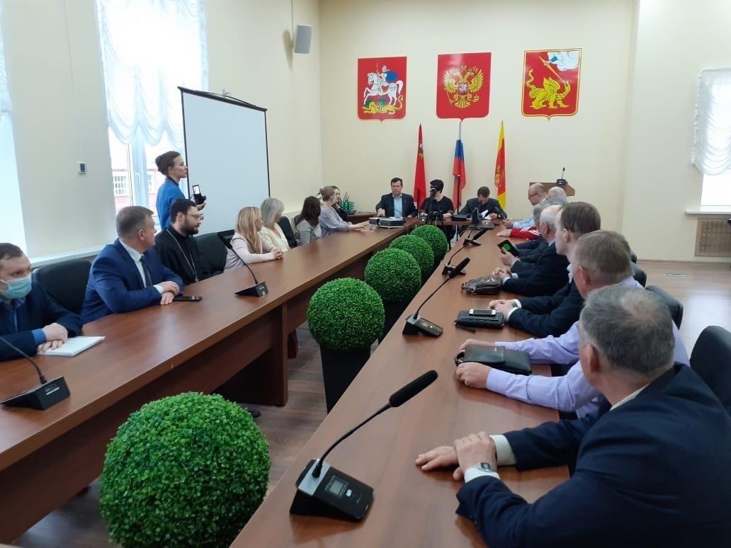 23 апреля в Администрации г.о. Егорьевск в торжественной обстановке состоялось вручение удостоверений членам Общественной палаты
